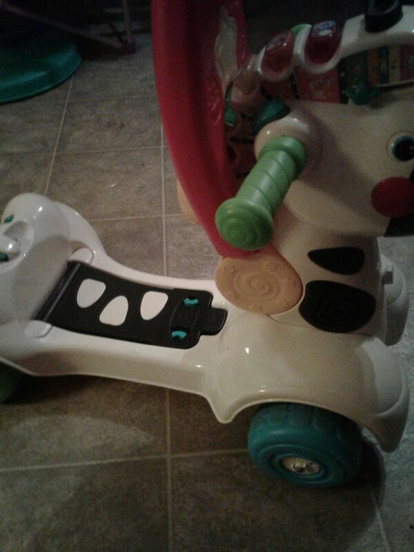 white ride on horse toy 69ec5239-b5a1-4459-80bf-8243bb07d9f0