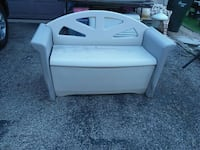 Plastic storage bench & 2 sit on $10 firm! Carol Stream, 60188