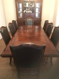 Solid Oak Dining table with 8 chairs Vaughan, L6A 0H2