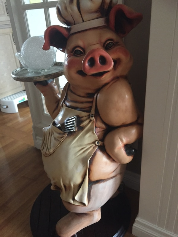 Resin chef pig statue. Stands 42 in and width is 16 in . Very detailed. We paid $850.00 asking$400.00 6d3b8f88-e3bd-44df-bf10-1cfe91855545