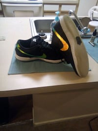Brand New Nike low-top that changes color size 10 Reynoldsburg, 43068