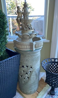 Water fountain with stand (2 seperate pieces) Coquitlam