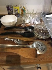 Kitchen items eating plates, square plates, glasses, bowls for 100kr   Oslo, 0273