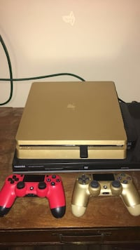 Limited edition gold ps4 slim Sylvan Lake, T4S 1H2
