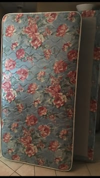 blue, red, and white floral mattress North Port, 34287