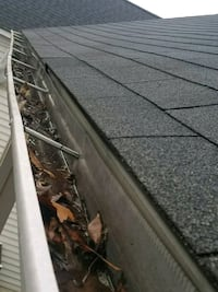 Cleaning gutter  Silver Spring