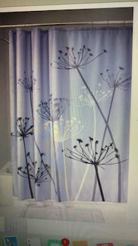 Purple Shower Curtain - asking for $5  Williamsburg, 23188