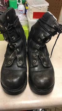 pair of black leather boots 10 1/2 Elkhart, 46514