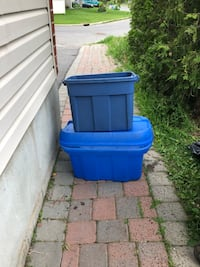 blue and black plastic container Ottawa, K1T 4H8