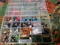 Glass/plastic/wood bead set with organizer  Lansing, 48911