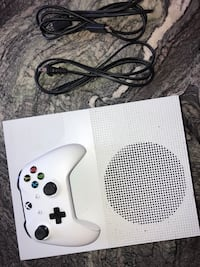XboxONE S Like NEW!!!! Asking $220 comes with one controller power cord and hdmi works perfectly Compton, 90222