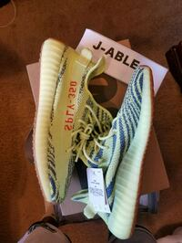 pair of green adidas Yeezy Boost 350 shoes with box Sacramento, 95835