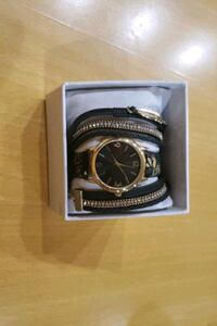 Girls watch and necklace set needs a battery was never worn