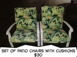 Set of patio chairs with cushions