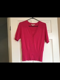 Ladies size small pink top  Milton, L9T 2R1