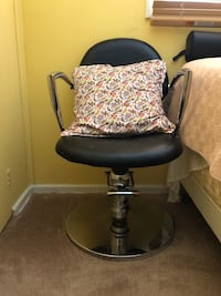 Hair cutting/ makeup Chair