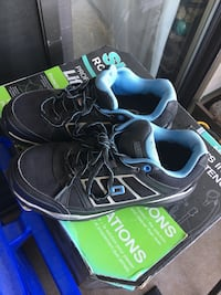 Dakota steel toe runners only worn twice. No longer working where these are needed & have original recipe. Paid over$100 Abbotsford, V2T 4M9