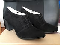 Brand new Clarks black suede booties size 5.5 Fremont, 94538