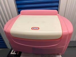 Kid's toy chest and plastic picnic table Negotiable