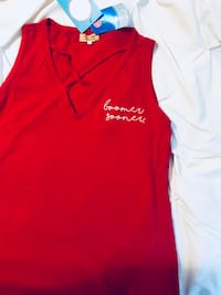 Women's OU shirt. Tag says large but fits right in the chest area so more like a medium .  Never worn Warr Acres, 73132