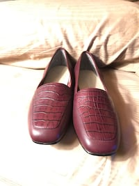 St. John's Bay brown leather loafers Alliance, 44601