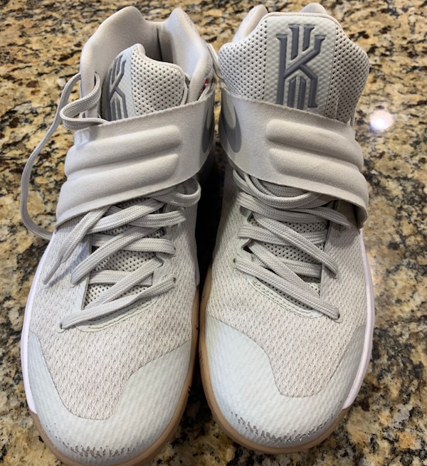 reputable site b0340 656d8 Women size 8 Kyrie 2's (Basketball)