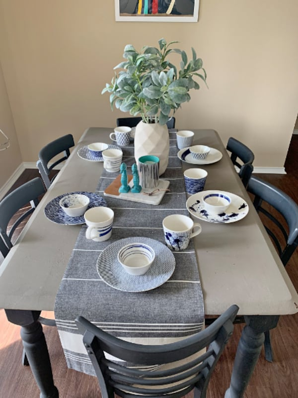 6 Person Table + 6 Chairs 36236652-5b45-4ee8-b350-57049150a0a2
