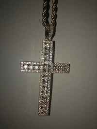 Cross pendant gold plated chain iced out Calgary, T3B 5B1