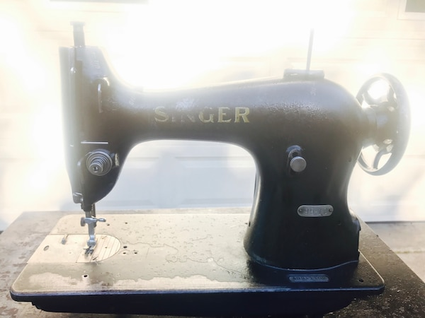 Used Singer 95 10 Industrial Heavy Duty Leather Upholstery Sewing