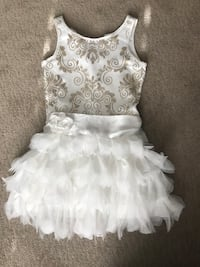 GIRLS DRESS SIZE 6X - White with Gold Design