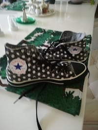 vit-och-svart Converse All Star polka dotade high-top sneakers