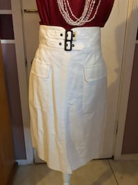Woman's white skirt, size 8 Los Angeles, 91331