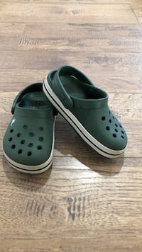 Toddler boys crocs. C7