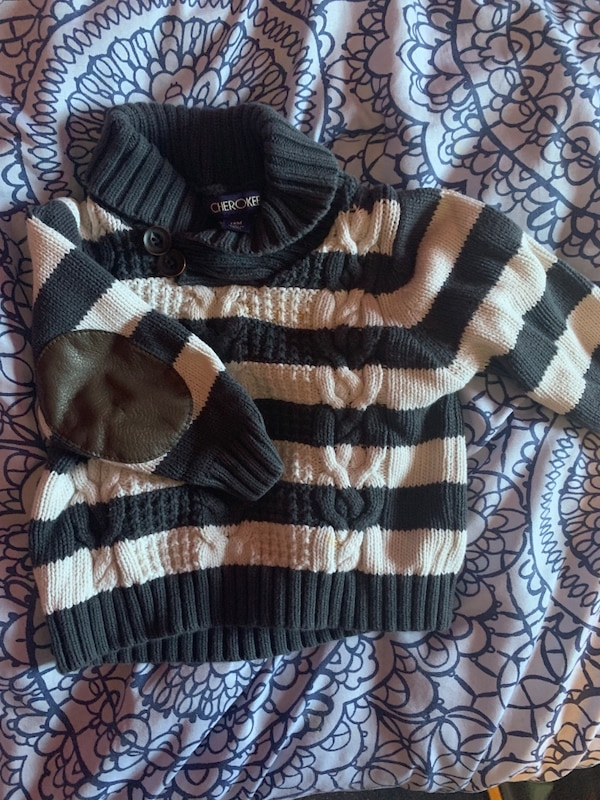 cf409fb58b Baby sweater 12 months