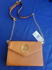 gold Michael Kors leather crossbody bag Surrey, V3T 3Y4
