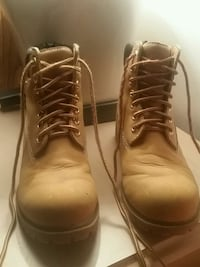 Practically new work boots! Welland, L3B 1A8