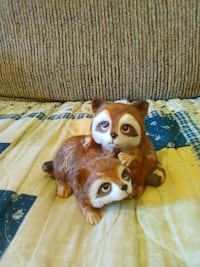 Home interior raccoons figurine Hedgesville