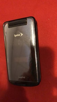 Oldie but goodie flip phone Sanyo located in New Haven works great... New Haven, 06512