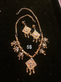 gold-colored necklace with earrings Hamilton, L8L 6M8