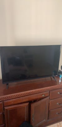 Television needs to go ASAP moving back to jersey Friday best offer may take it has remote n all nothing wrong  Lantana