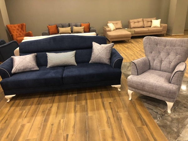 NEW 4 pcs LIVING ROOM SET SOLD BY A FURNITURE STORE