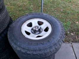 4 Jeep wheels and tires