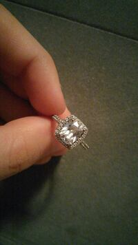 Size 5 beautiful ring  Port Perry, L9L 1H1