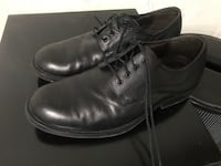 Pair of black leather dress shoes null, P7G