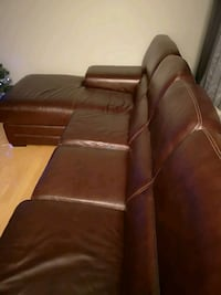 brown leather 3-seat sofa Longueuil, J3Y