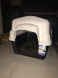 Dog house Midway, 31320