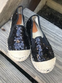 Sequined girl's shoes size 13