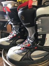 Snow board boots by rossignol size 8