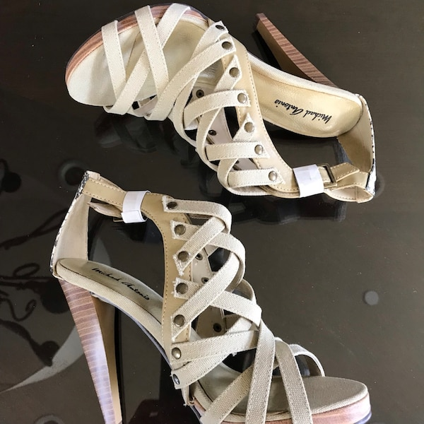 a3b5a740f Used Women s shoes Strappy snake heel shoe for sale in Irvine - letgo