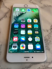 iPhone 6 Plus 16GB Silver Verizon Unlocked Comes With Case ! Small Crack on the screen Chicago, 60634